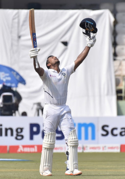 विशाखापट्टनम टेस्ट : भारत ने 7/502 रनों पर घोषित की पहली पारी