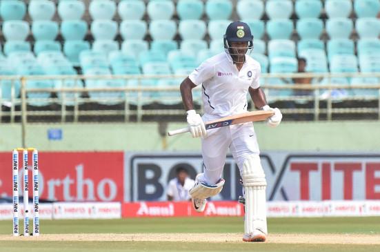 विशाखापट्टनम टेस्ट : दूसरी पारी में भारत को लगा शुरुआती झटका