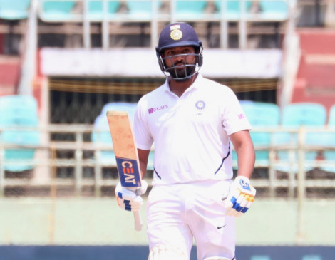 विशाखापट्टनम टेस्ट : सलामी बल्लेबाज के रूप में रोहित ने जड़ा पहला शतक