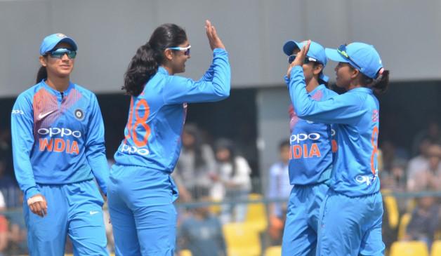 महिला क्रिकेट : पहले वनडे में भारत ने 8 विकेट से जीत दर्ज की