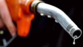 अवैध गोदाम से 18 लाख का डीजल-पेट्रोल पकड़ाया, सस्ते दामों बेचते थे माफिया