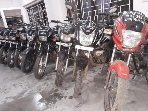 अंतरराज्जीय वाहन चोर गिरोह से 19 बाइक बरामद, शौक ने बनाया चोर