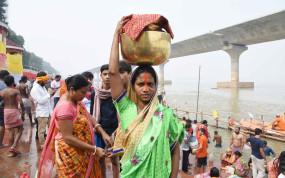 छठ पर्व पर दिल्ली में घाटों पर जुट सकती है 10 लाख की भीड़