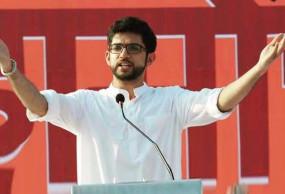 बाला साहेब के पोते आदित्य ठाकरे ने ली सोनिया गांधी की शपथ, BJP बोली- इनका हिंदुत्व खोखला
