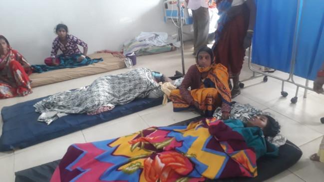 उड़द की दाल और रोटी खाने के बाद पूरा परिवार फूड पॉइजनिंग का शिकार, पहुंचा अस्पताल