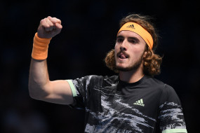 ATP world tour finals: सितसिपास टूर्नामेंट के फाइनल में पहुंचे, 20 बार के ग्रैंड स्लैम विजेता फेडरर को हराया