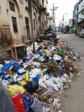 उत्तर प्रदेश: कचरे की वजह से कुंवारे हैं इस शहर के युवा लड़के