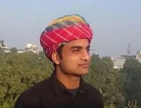 BHU: छात्र प्रोफेसर फिरोज खान के खिलाफ प्रदर्शन खत्म करने को सहमत