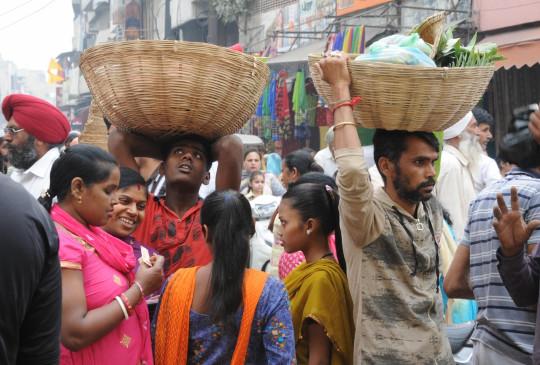 भगवान भास्कर की भक्ति में सराबोर हुआ बिहार, चहुंओर गूंजे छठी मईया के गीत