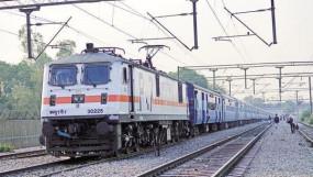 मध्य रेलवे ने बेटिकट यात्रियों से एक माह में वसूले 23 करोड़, पिछले साल से 70 फीसदी ज्यादा