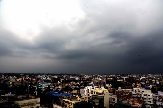 बिहार में बादल छाए, तापमान में मामूली वृद्धि