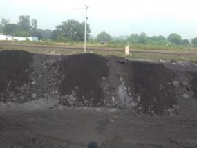 बरगवां कोलयार्ड में चल रहा कोयले में राख मिलाने का खेल