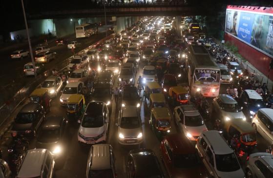अपनो की दुर्गति का दंगल : बागी दिल्ली पुलिस के चलते थाने-चौकी सूने और रास्ते जाम