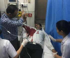 दिल्ली : तीस हजारी कोर्ट में वकील-पुलिस में मारपीट, 1 वकील को गोली लगी