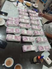 दिल्ली पुलिस ने नकली नोटों के साथ अंतर्राष्ट्रीय गिरोह पकड़ा