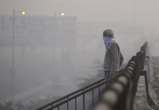 दिल्ली की फिज़ा में बढ़ा जहर, आज 924 के खतरनाक स्तर पर प्रदूषण