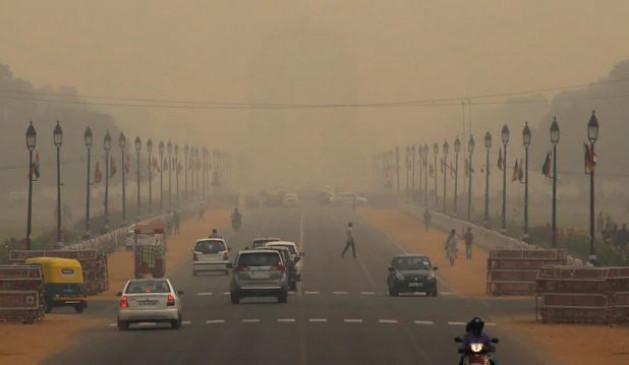 दिल्ली: आज चलेगी ऑड नंबर की गाड़ियां, पहले दिन कटे 230 लोगों के चालान