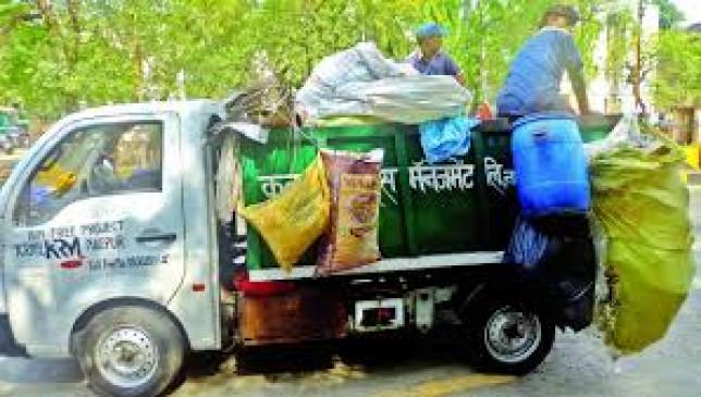 शहर का कचरा उठाने से कनक ने काटी कन्नी, दिवाली पर भी नहीं घूमी गाड़ियां, जगह-जगह लगे कचरे के ढेर