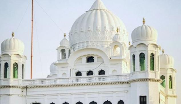 करतारपुर कॉरिडोर के रास्ते पाकिस्तान पहुंचा सिखों का पहला जत्था