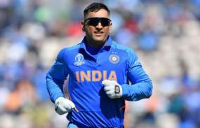 धोनी ने नंबर-6 पर बल्लेबाजी करने के प्लान के बारे में बताया, देखें वीडियो