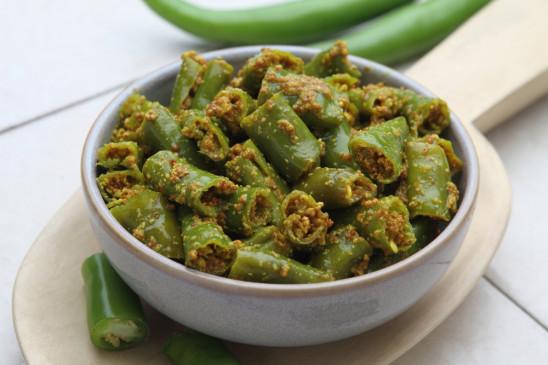 मीठे और स्पाइसी स्वाद वाला हरी मिर्च का अचार