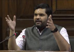 झारखंडः पांच ट्रिलियन के '0' से हीरो बने गौरव वल्लभ CM रघुवर दास को देंगे चुनौती