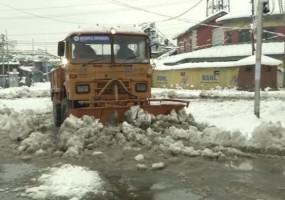 J&K: कुपवाड़ा में भारी बर्फबारी जारी, 2 जवान सहित 7 लोगों की गई जान
