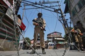 J&K: राजौरी के केरी गांव में पाक ने तोड़ा सीजफायर, सेना दे रही मुंहतोड़ जवाब