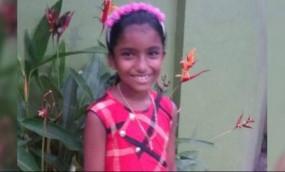 केरल: सांप के कांटने से सरकारी स्कूल की छात्रा की मौत, शिक्षक निलंबित