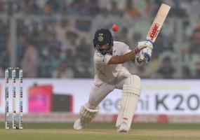 कोलकाता टेस्ट : पहले दिन भारत को 68 रनों की बढ़त