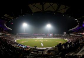 कोलकाता टेस्ट : मयंक सस्ते में निपटे, भारत को नहीं मिली ठोस शुरुआत (लीड-2)