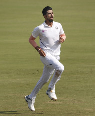 कोलकाता टेस्ट : गुलाबी गेंद से छाए भारतीय गेंदबाज (लीड-1)