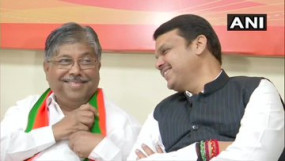 महाराष्ट्र: सरकार बनाने के लिए जोड़तोड़ में जुटी भाजपा, बैठक में जुटे छोटे-बड़े नेता