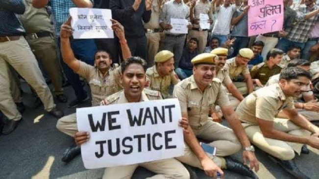 काला कोट बनाम खाकी की लड़ाई : दिल्ली पुलिस को मिला महाराष्ट्र आईपीएस एसोसिएशन का साथ
