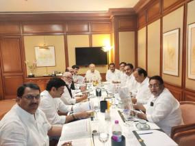 महाराष्ट्र: एनसीपी और कांग्रेस की बैठक जारी, शिवसेना से गठबंधन पर हो रही चर्चा