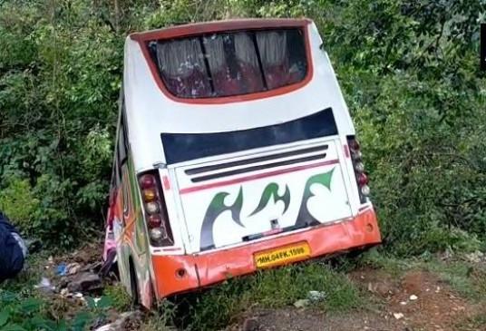 महाराष्ट्र: पुणे-मुंबई हाईवे पर बस पलटी, कई घायल