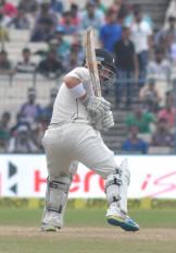 माउंट माउंगानुई टेस्ट : वाटलिंग के शतक से न्यूजीलैंड की जोरदार वापसी