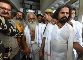 अब भव्य मंदिर का निर्माण होगा : नृत्य गोपाल दास