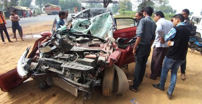 ओवर टेक कर रहे ट्रक ने कार को मारी जोरदार टक्कर, एक की मौत