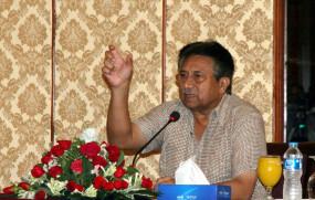 पाकिस्तान सरकार ने मुशर्रफ देशद्रोह मामले में फैसला रोकने की याचिका दायर की