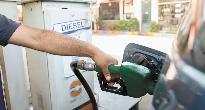 कच्चे तेल में तेजी की संभावना, जारी रहेगी पेट्रोल, डीजल की महंगाई