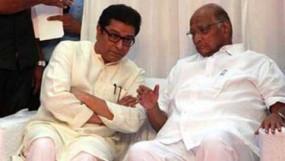 शरद पवार से मिले राज ठाकरे, सियासी उठापटक पर हुई चर्चा