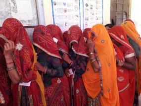 राजस्थान : 2 दुल्हनों ने शादी के दिन निकाय चुनाव में किया वोट