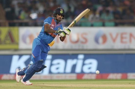 राजकोट टी-20 : रोहित ने 100वें मैच में टीम को दिलाई जीत