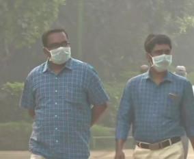 दिल्ली: प्रदूषण पर SC ने लगाई केंद्र को फटकार, कहा- पेट्रोल की जगह हाइड्रोजन का विकल्प ढूंढें