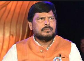 शरद पवार, सुप्रिया सुले को केंद्रीय मंत्रिमंडल में शामिल होना चाहिए : अठावले