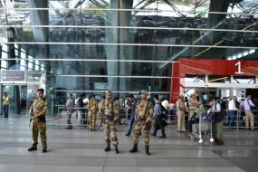 दिल्ली एयरपोर्ट पर संदिग्ध बैग में नहीं मिला RDX, रखे थे खिलौने और चॉकलेट
