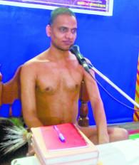 दान-पूजा छोड़ने वाला चिरकाल तक संसार में भटकता रहता है : सुवीरसागर