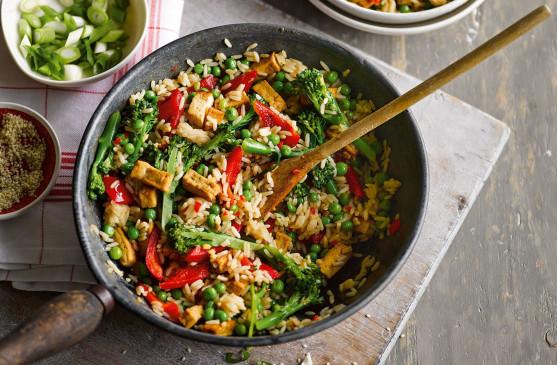 रात के बचे चावल को फ्राई करने के बदले बनाएं टेस्टी 'राइस बॉल्स' रेसिपी