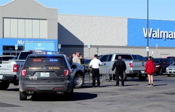 ओक्लाहोमा वॉलमार्ट में 3 लोगों की गोली मारकर हत्या, घटनास्थल से हैंडगन बरामद